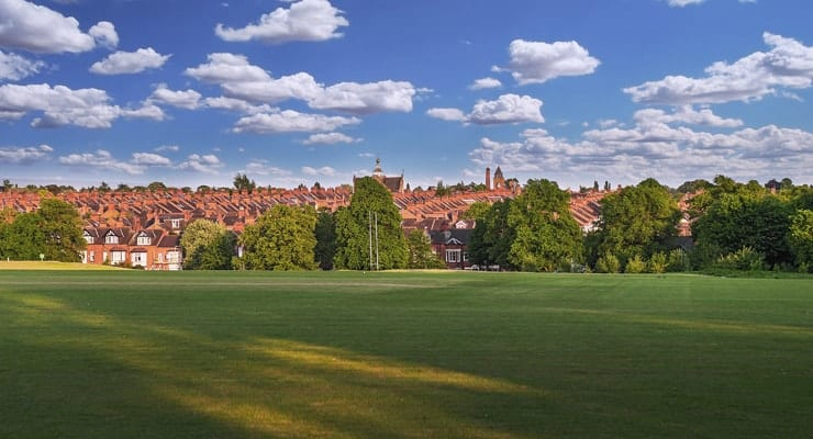 Photograph of Victora Park in Leicester with houses in the background