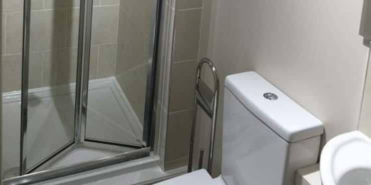 HMO (house in multiple occupation) design. En suite bathrooms